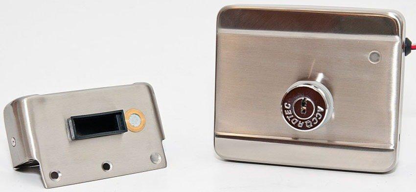 Устройство автоматического открытия двери